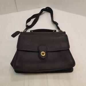 EUC. Coach Willis Vintage Messenger Bag. Black